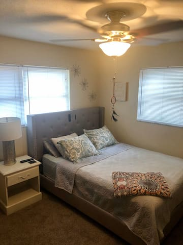Comfortable & clean stay in beautiful Dunedin, FL