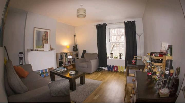 A stunningly beautiful cosy two bedroom flat.