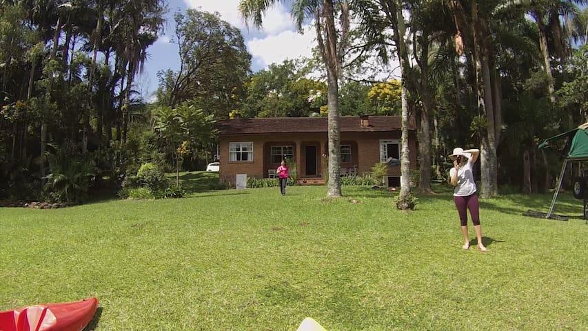 Linda casa de campo em Rio dos Cedros - Rio dos Cedros - Kabin