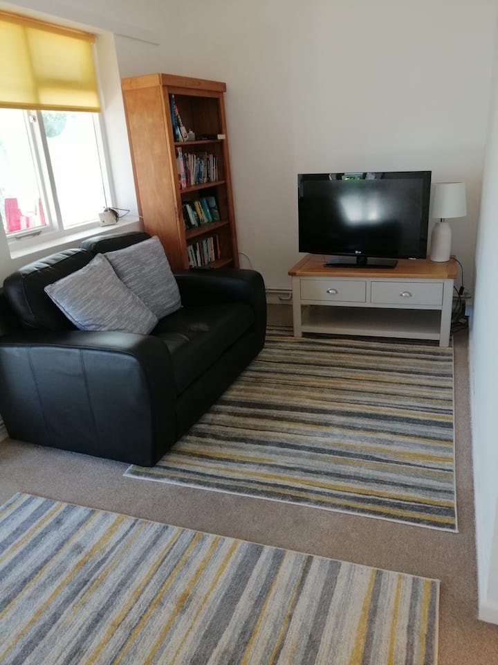 Riverside private annexe, 2 bed property