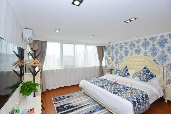 「雅居民宿」布拉格特色套房--迪士尼、浦东机场免费接送