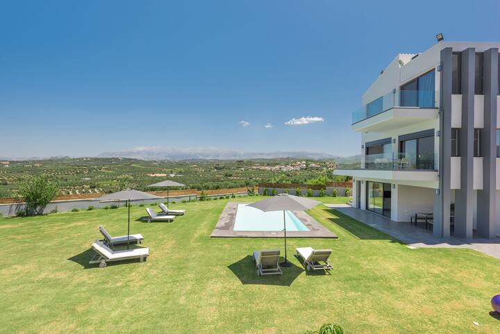 Aurora Villa, huge, modern villa with private pool