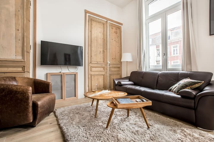 1.	Chic apartment I Central I Queen  bed I Netflix