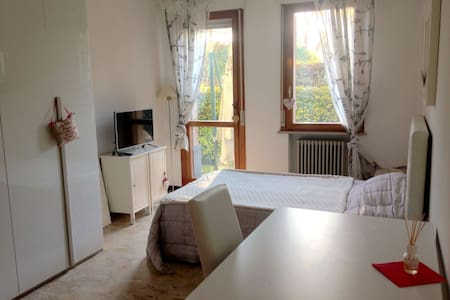 Appartamento/stanza condivisa vicino al centro - Treviso - Lejlighed