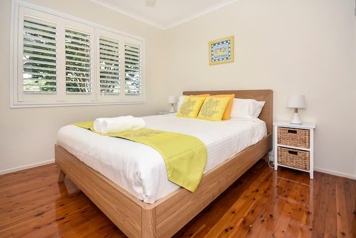 Bedroom 1 (upstairs)- Queen Bed