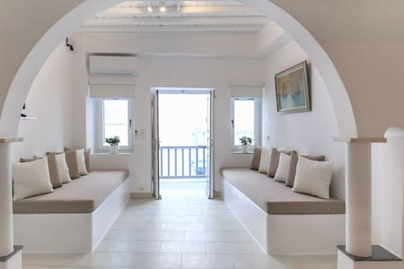 SeaBlue Venice House 2, in Mykonos Town / central