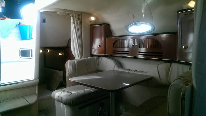 Lovely and amazing boat to stay overnight