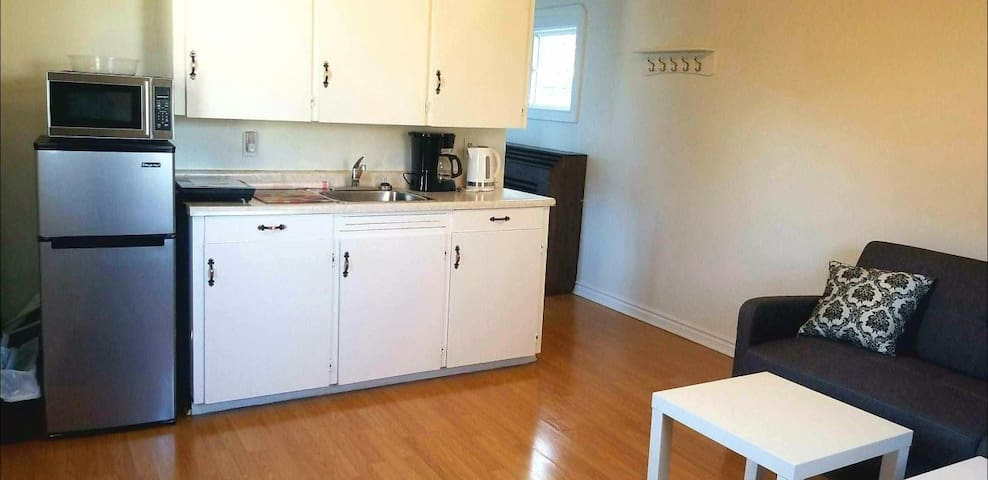 Comfortable Suite - Near Downtown & Ferry