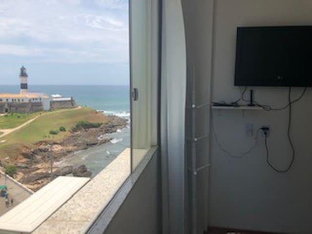 Stúdio em frente ao mar/ Farol da Barra (9 andar)