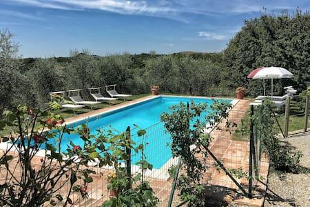 Pasqui Villas: Tribbio 3BDR,private house,pool