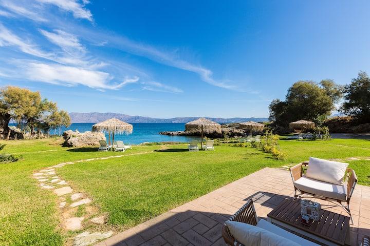 Harmony Villa, unwind in your own private beach!