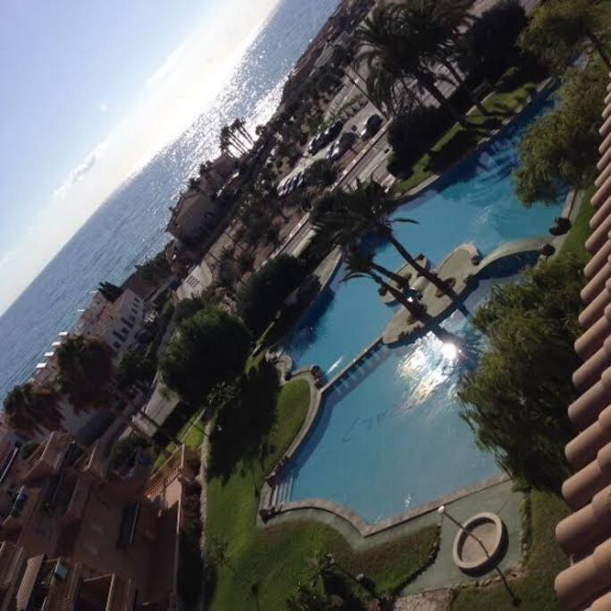 piscine magnifique vue mer