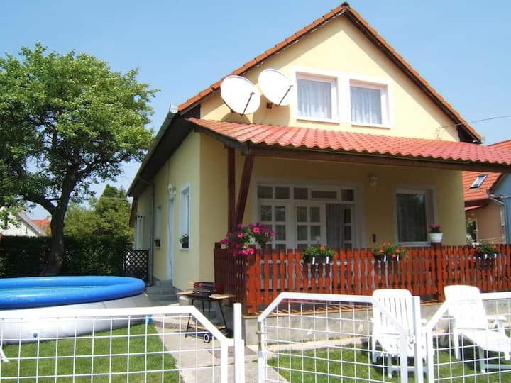 House for 10 persons with pool R18549