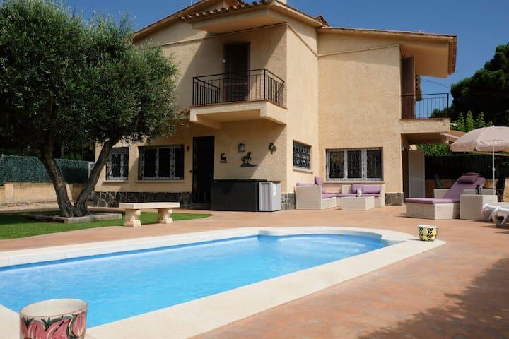 Garden Villa with private Swimming Pool