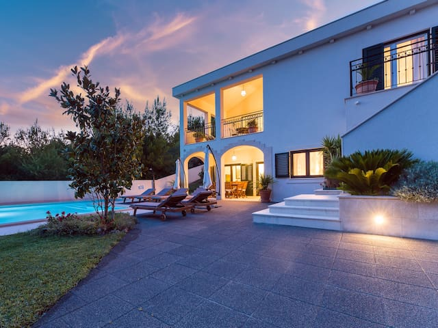 Dalmatian Villa with sea view and private pool