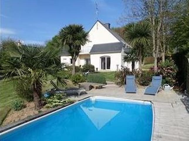 Britain sud.Belle south house pool. - Languidic - House