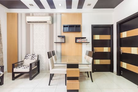 Entire Luxurious Apartment Fully AC - Nova Delhi
