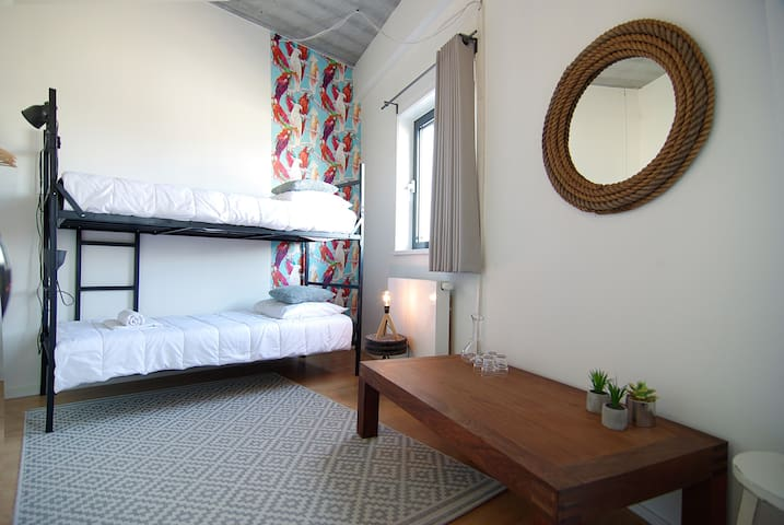 Lovely room for four in great, near Amstel river, area