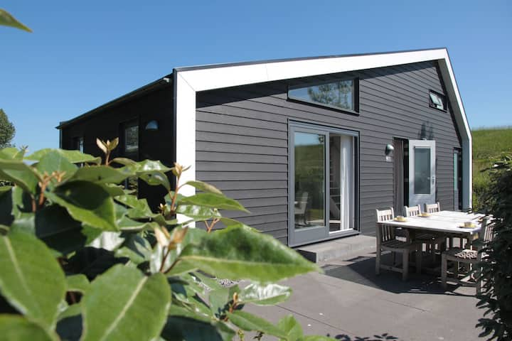 Cosy Holiday Home in Kattendijke near National Park