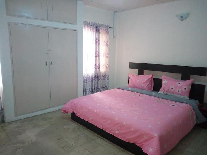 Red Clover Hotel - Single Room