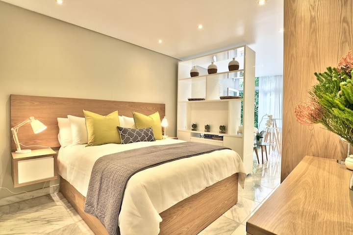 Central & walking distance to CTICC & Waterfront - Cape Town - Lejlighed