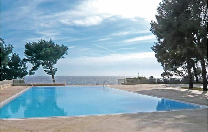 Holiday apartment with 1 room on 40m² in Bandol