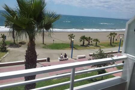 amazing apartment on the beach Malaga - Rincón de la Victoria - Wohnung