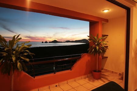 Sunrock Condo, Ocean view. For 5 Pax