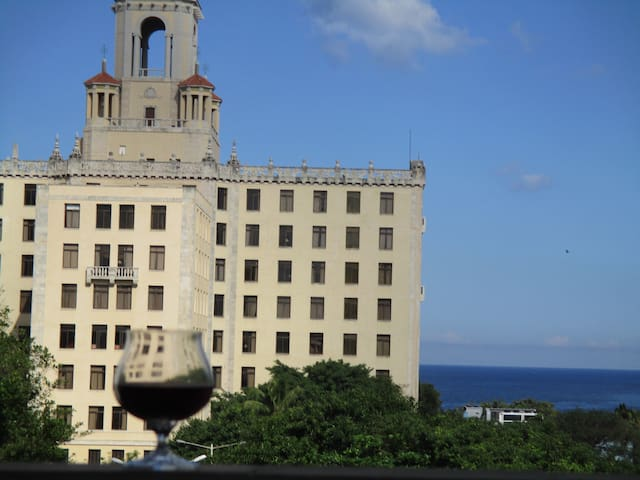 Oceanfront Entire Apt. in high demand Vedado.