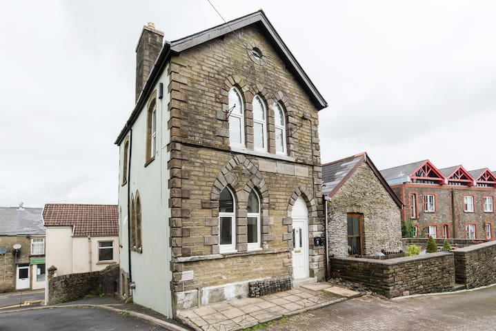 Victorian building:modem facilities. Nr Cardiff - Llantrisant - Inny