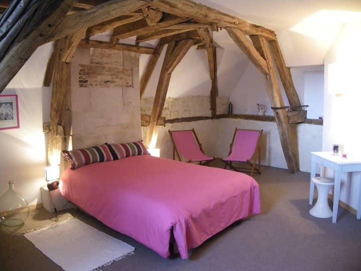 Chambres d'hôte 2è ét du château (rose)