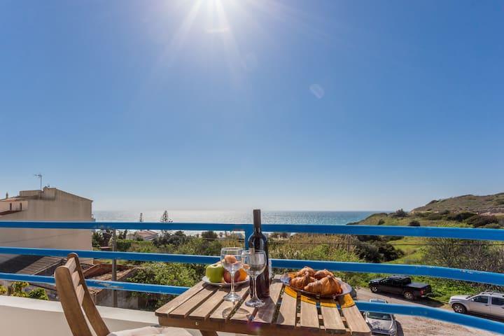 CoolHouses Algarve Luz 2 bed penthouse flat with amazing sea view, Delícia do Sol (49701/AL)