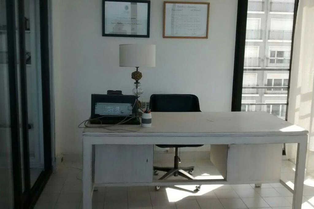 Jardín interno + escritorio
