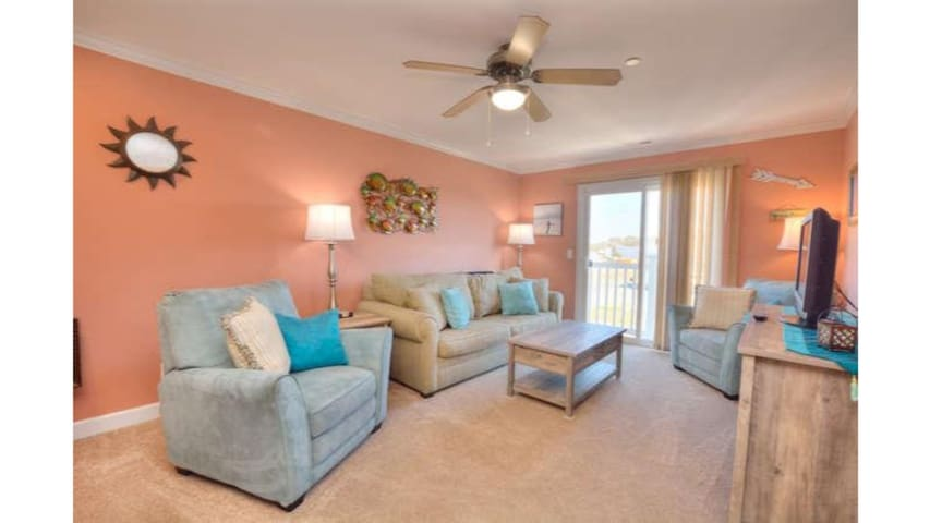 Beautiful Ocean Walk 9203-BEACH,POOL & ELEVATOR