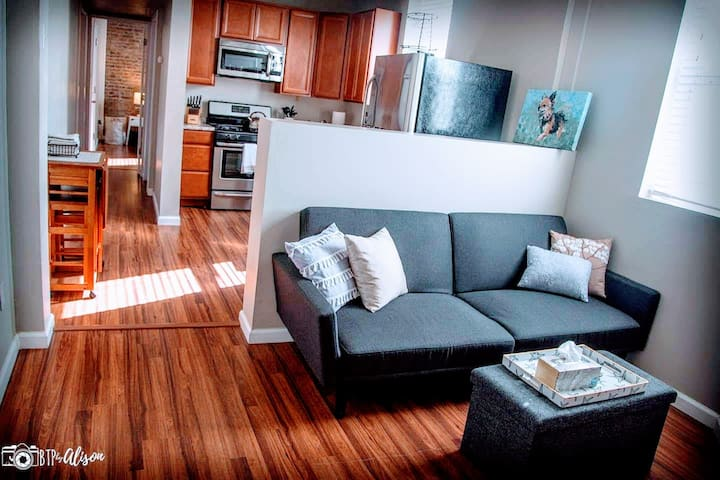 ⭐The Grand Getaway⭐1 BR⭐ 3 Miles to Downtown⭐