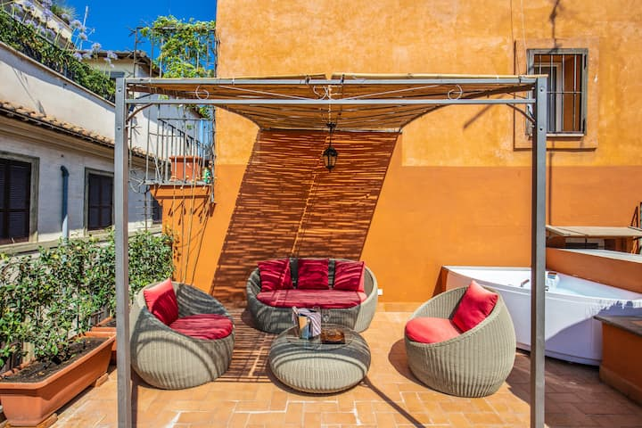 Maison d'Art Apts nearby Piazza Navona (4 people)