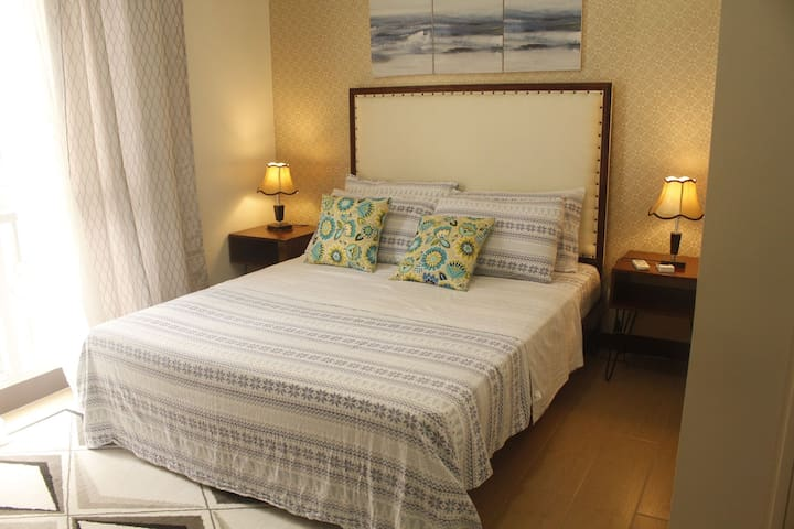 Elegant Spacious 1BR, 150 Newport @ Resort's World NAIA3 Newport Pasay, City