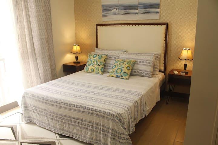 Elegant Spacious 1BR, 150 Newport @ Resort's World NAIA3 Newport Pasay, City