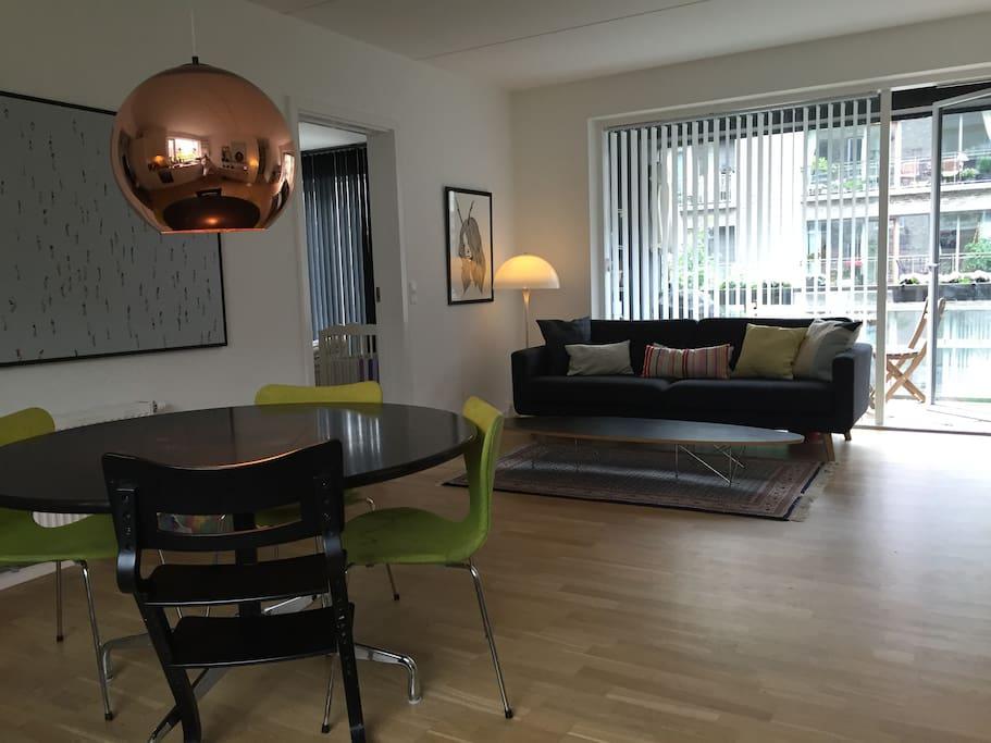 Dinningarea and livingroom