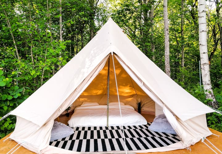 Bohostay Glamping Minimalistic. tent