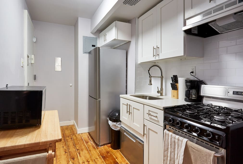 luxury alcove studio in chelsea apartments for rent in new york new york united states. Black Bedroom Furniture Sets. Home Design Ideas