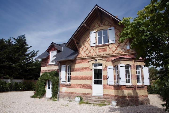 Villa Normande rénovée proche de la plage