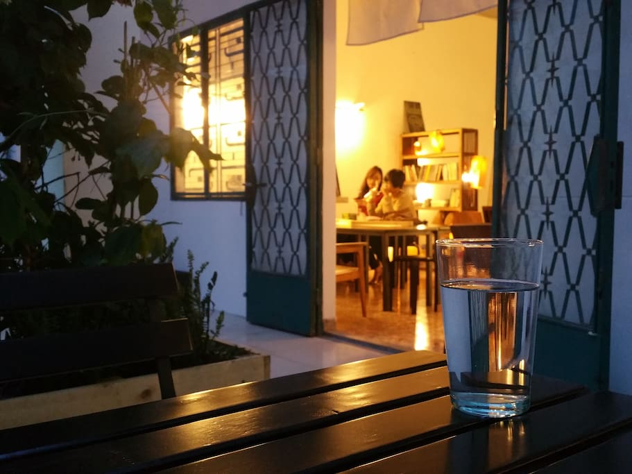 Common area: The house has a large balcony to relax. Smokers love this place. You could also sit here and enjoy a cup of Vietnamese coffee from the coffee bar downstair.