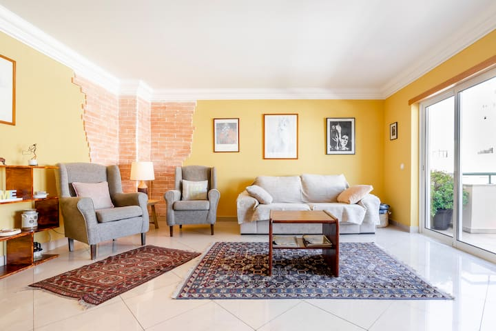 Cozy, warm and joyful apartment