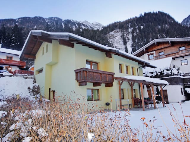 5-room apartment 170 m² in Stubaital
