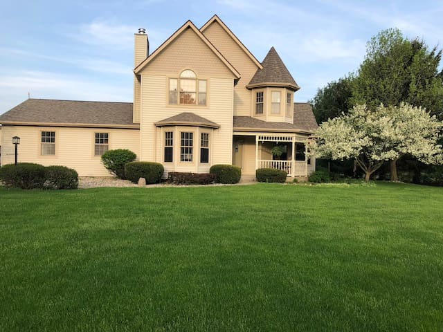 4 Bedroom Country Home Near Notre Dame