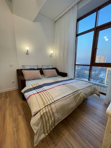 Диван-кровать в разложенном виде (1.5м * 1.9м)