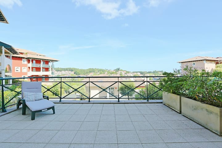 Ciboure  / beautiful apartment with large terrace . 2 bedrooms