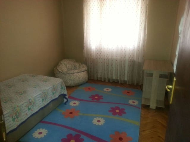 Cheap and comfortable room - Keçiören - Pis