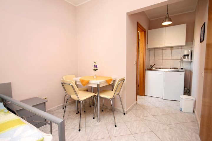 Studio flat with air-conditioning Vodice (AS-6178-e)
